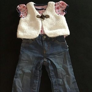 Carter's infant girls outfit